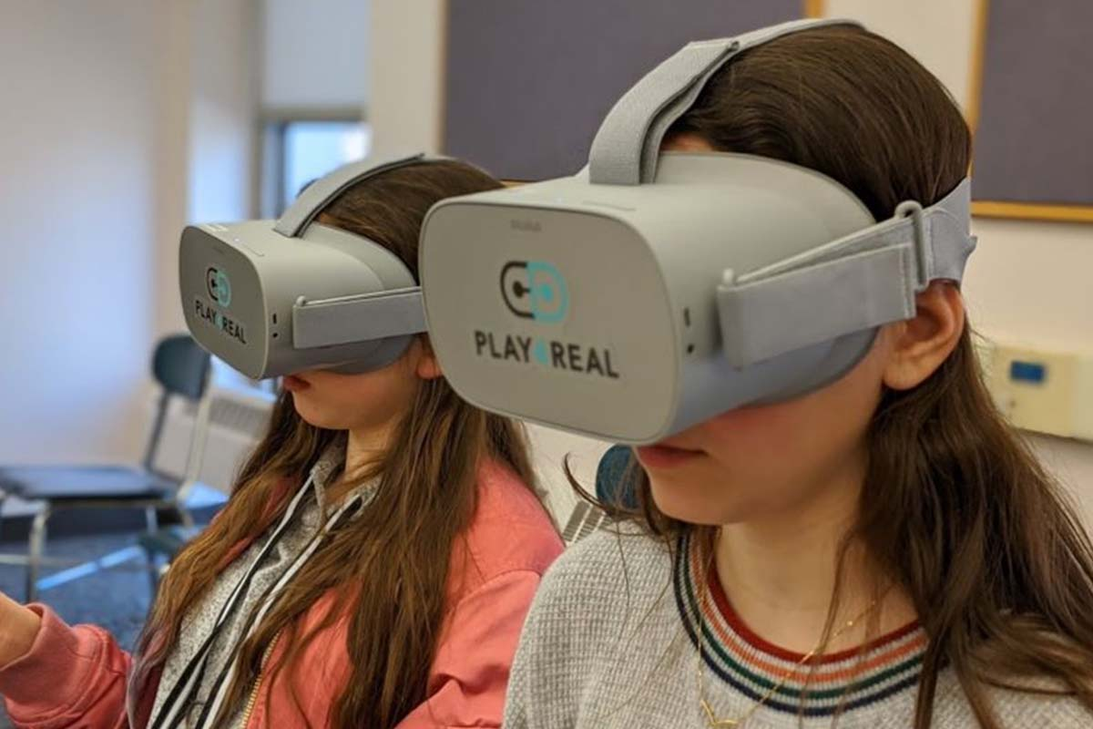 Yale University is attempting to prevent vaping through the use of virtual reality.